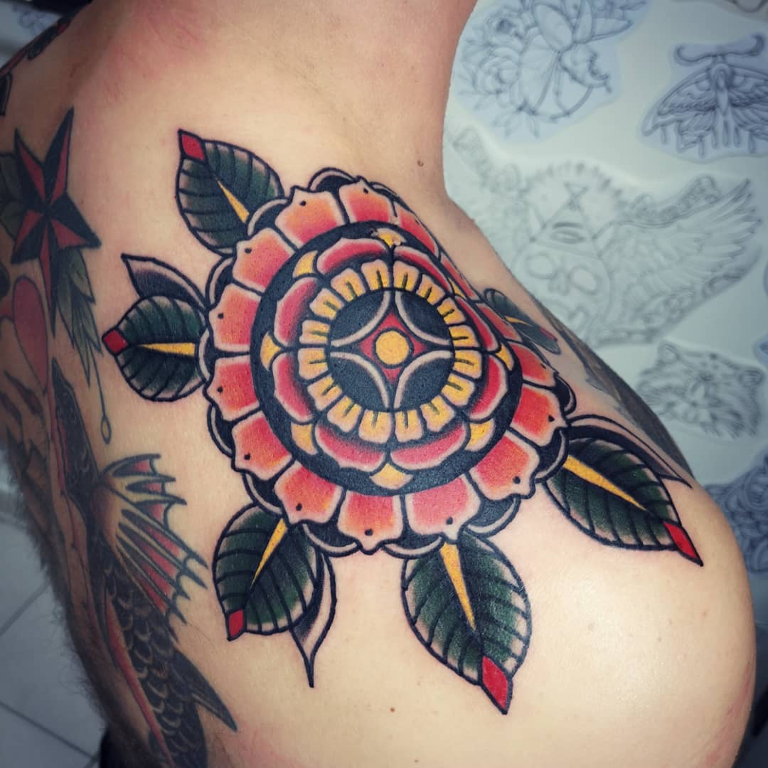 ghis melou tattoo color neotrad back woman