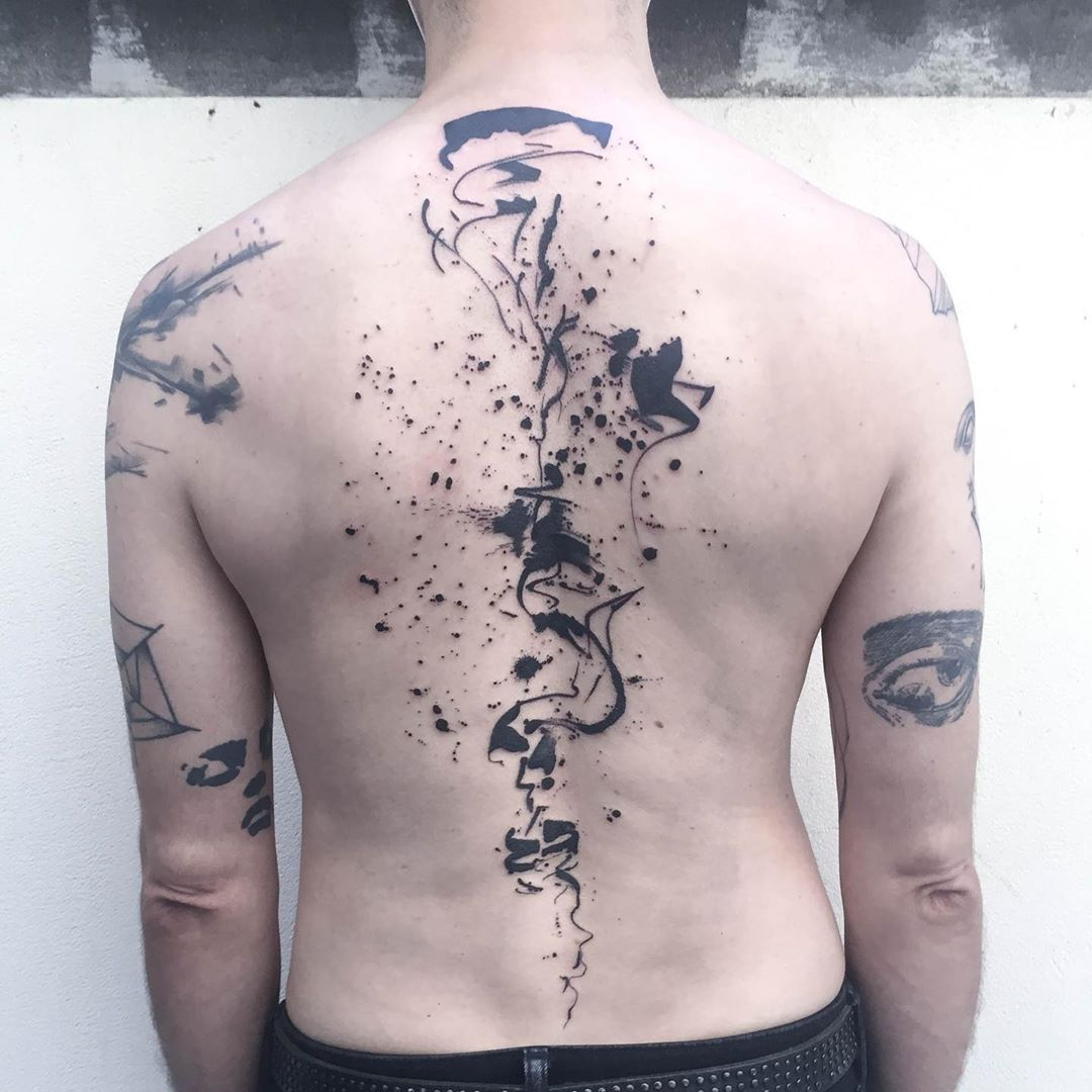 brush-stoke-back-tattoo