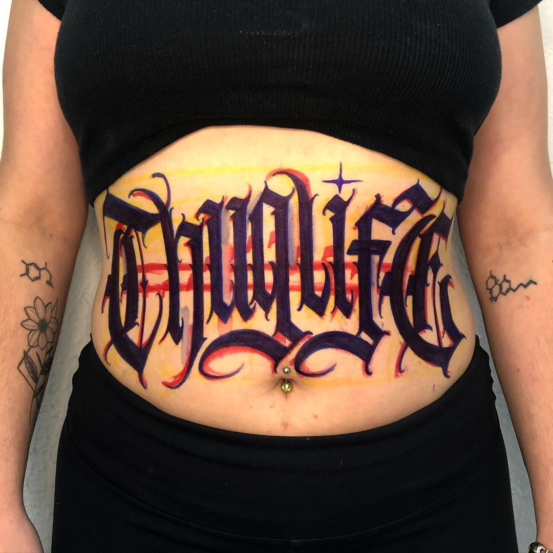 lettering-tattoo-style-belly