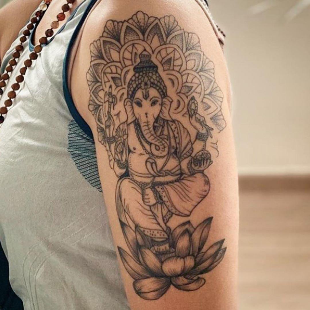 ganesha-black-and-grey-complete-figure-tattoo