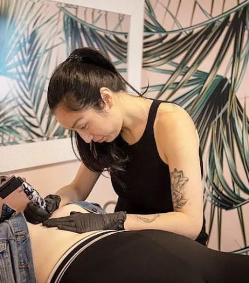 jamie-kan-tattoing