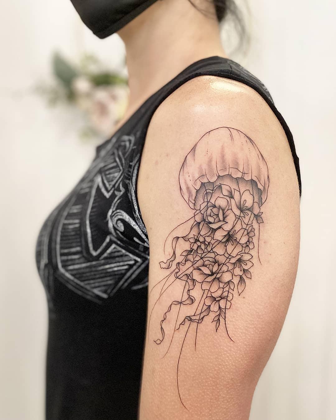 jamie-kan-tattoo-jellyfish