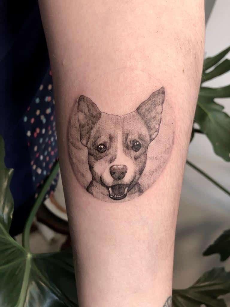 ayelen-tattoo-artist-dog-portrait-arm