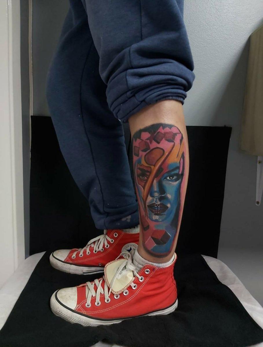 estevam-pinho-tattoo-artist-colorfull-leg