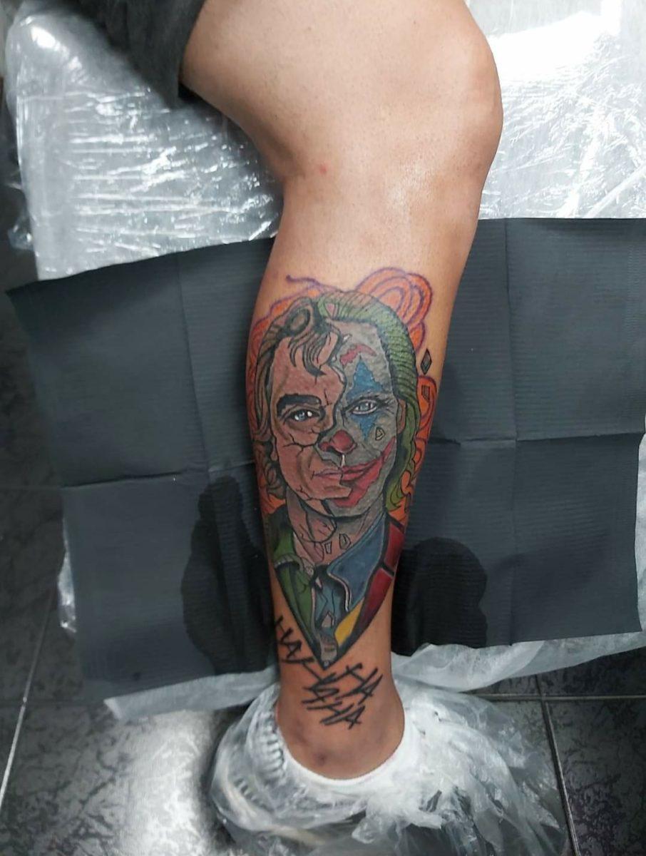 estevam-pinho-tattoo-artist-joker-leg