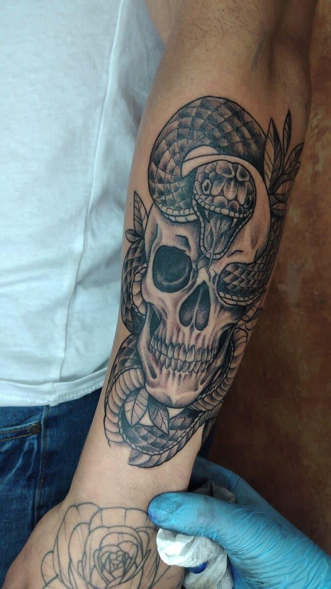 paulette darko tattoo artist skull snake