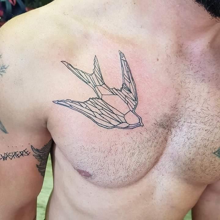 embla-holm-tattoo-artist-bird-polygon