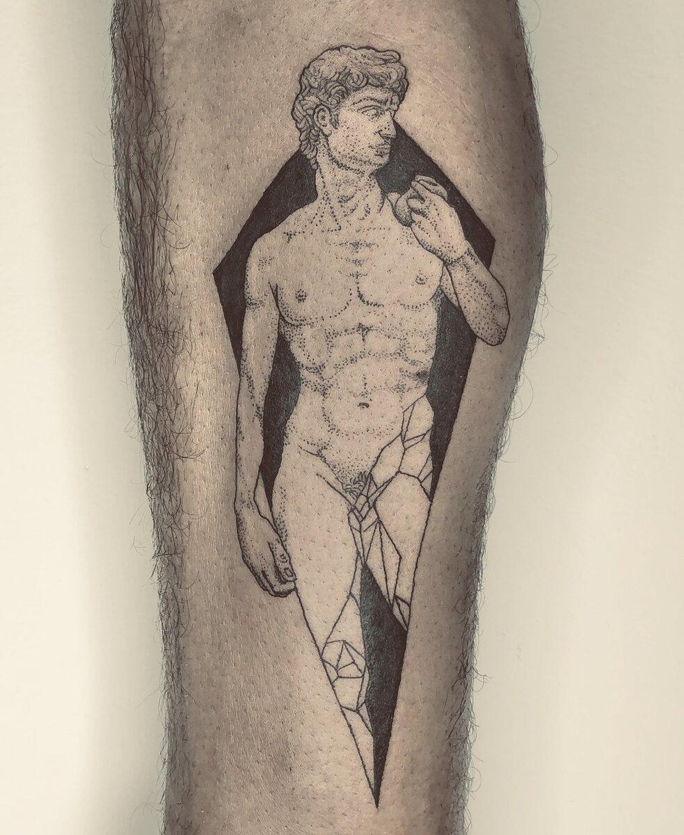 giufalia-tattoo-artist-roman-sculpture
