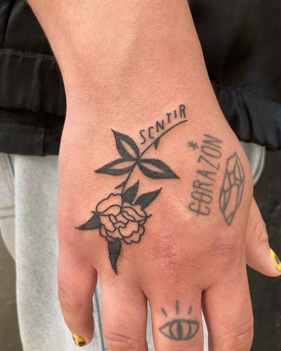 javiera-vidal-tattoo-artist-hand-rose