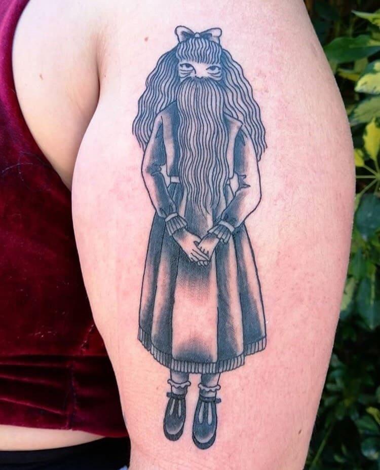 nikolo-tattoo-artist-beard-woman