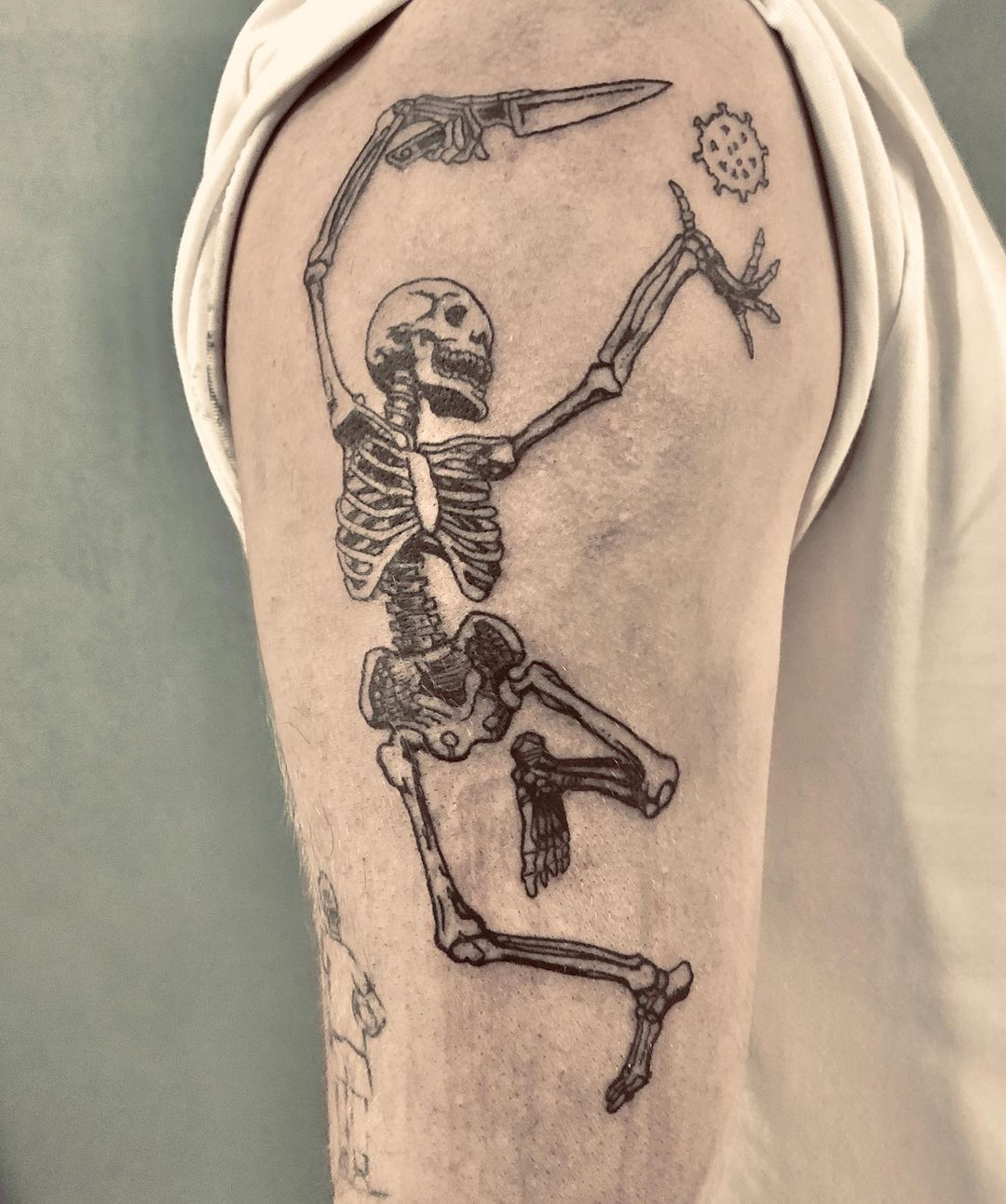 skeleton-covid19-tattoo