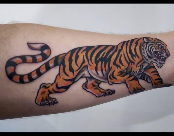 busta-boltoon-tattoo-artist-tiger