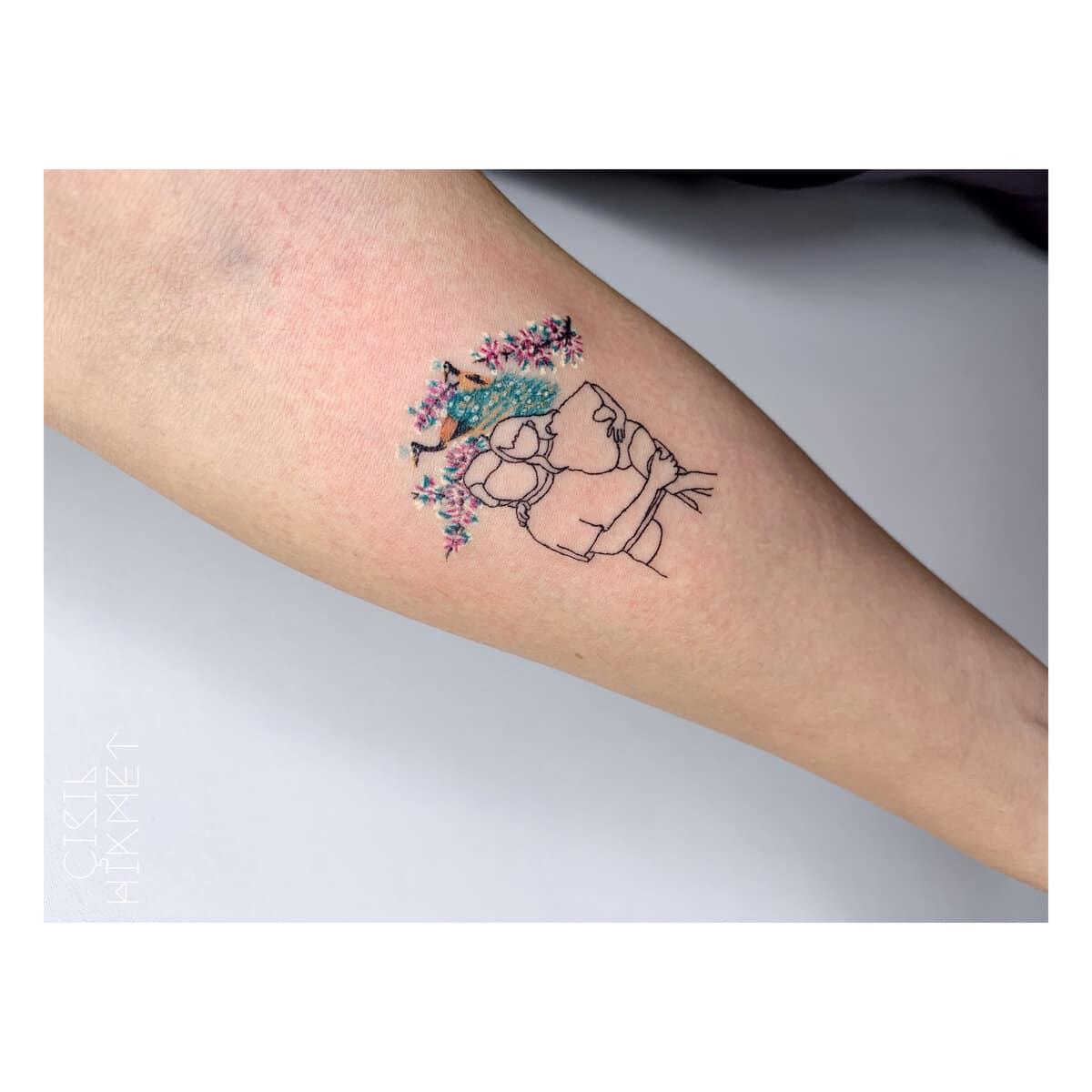 çisil-hikmet-tattoo-artist-online-people
