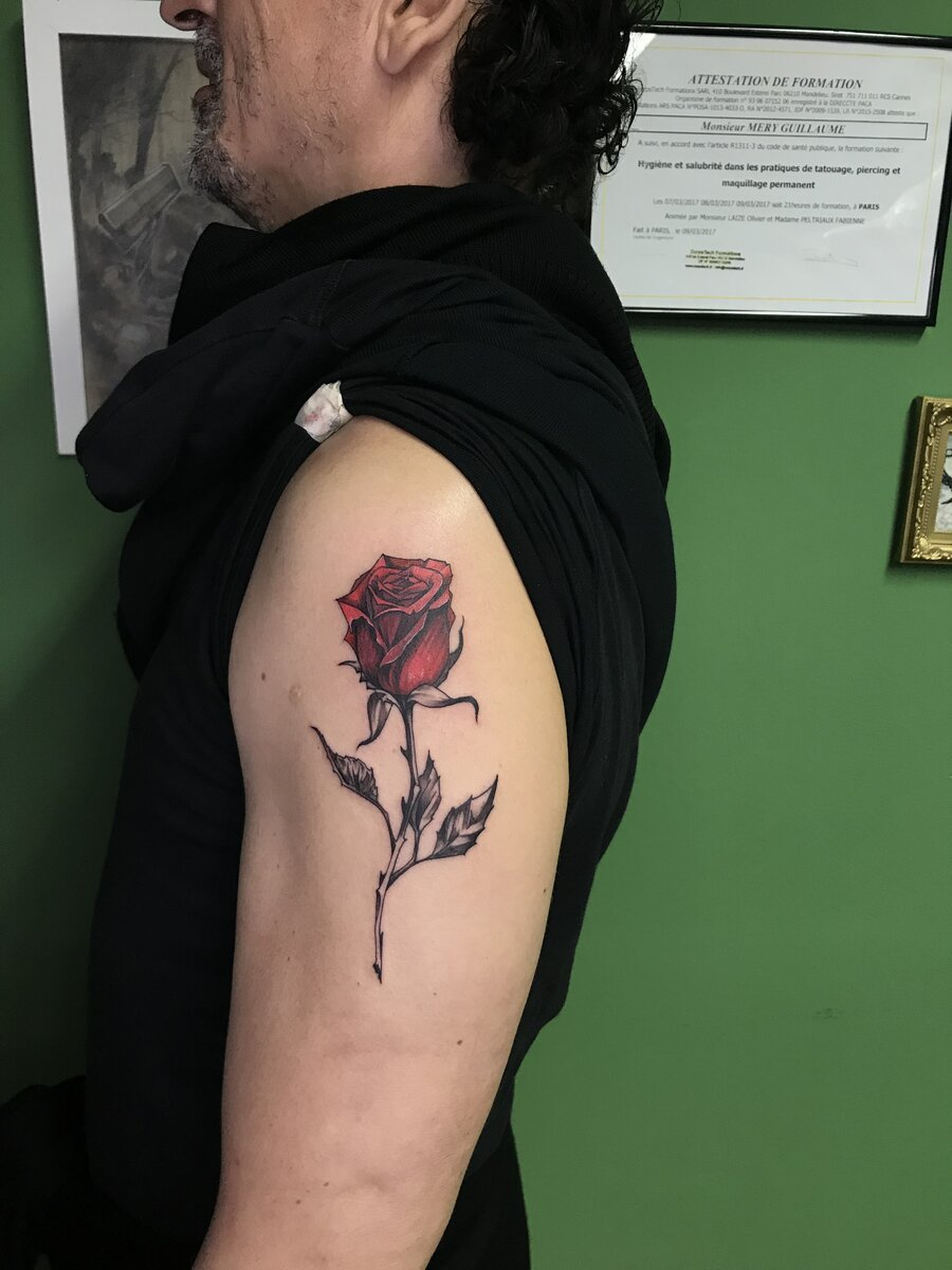 gui-art-work-tattoo-studio-rose-color-arm