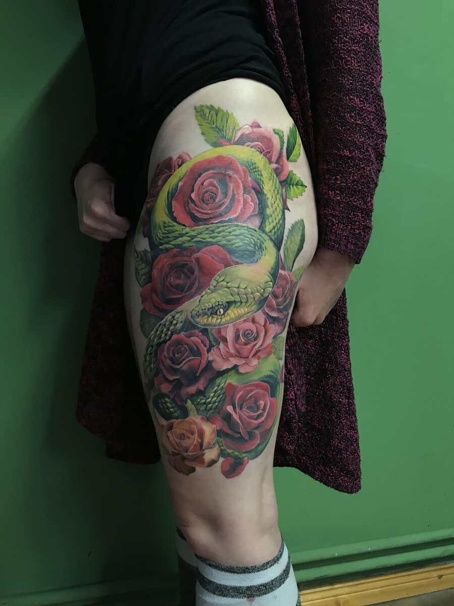 gui-art-work-tattoo-studio-roses-color-leg