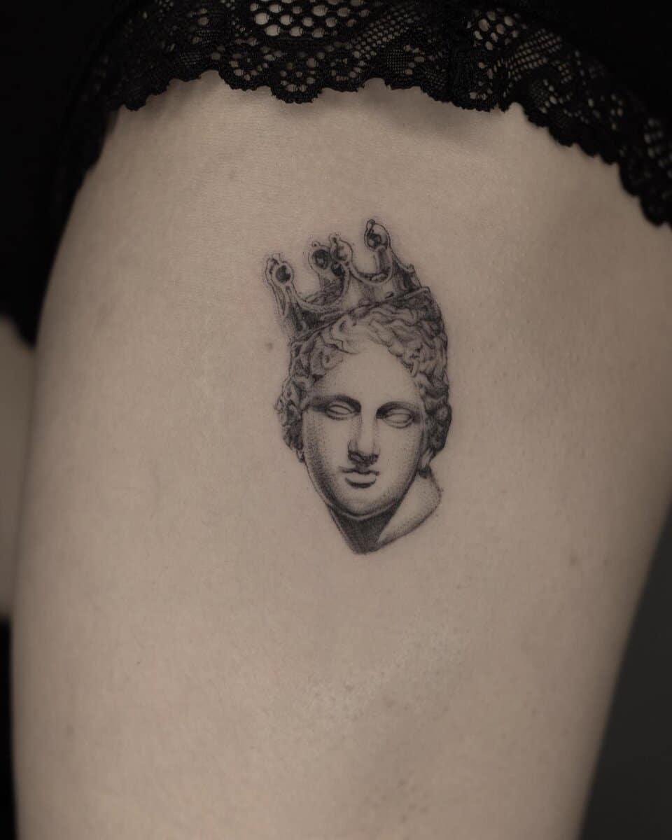 jo-ink-tattoo-artist-greek-queen
