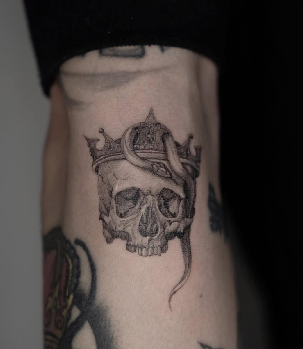 jo ink tattoo artist skull snake