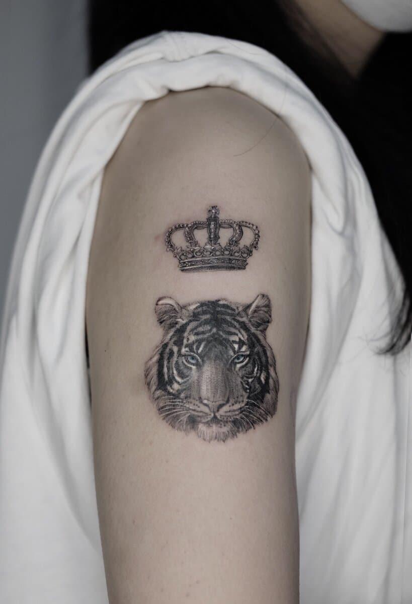 jo-ink-tattoo-artist-tiger-crown