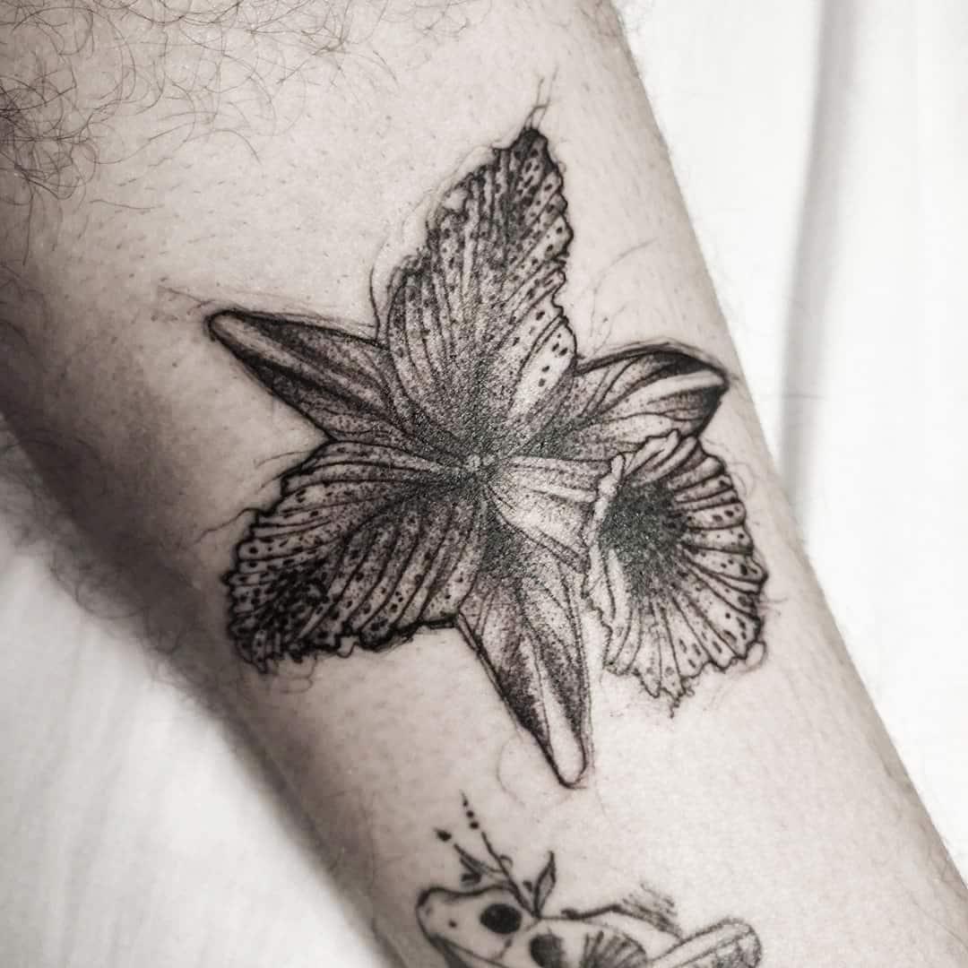 juan-garzon-tattoo-artist-orchid