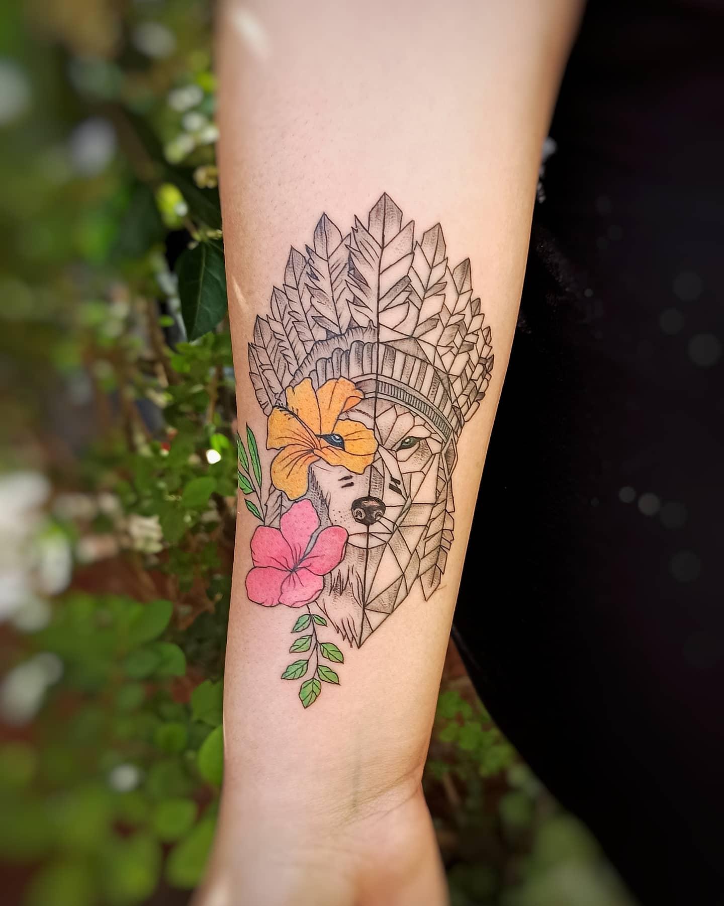 karen-muñoz-tattoo-artist-wolf