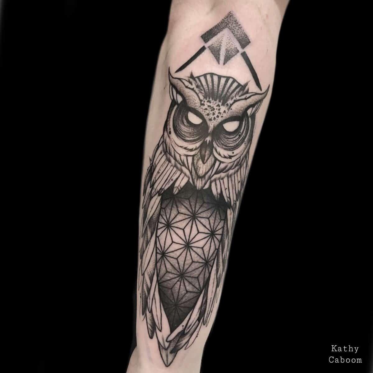 kathycaboom-tattoo-artist-owl-dotwork