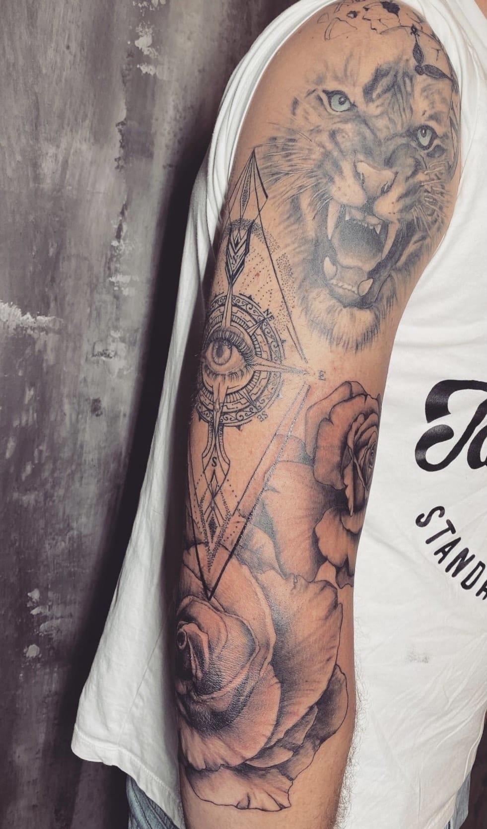 rowena-welter-tattoo-artist-arm-tiger-dotwork