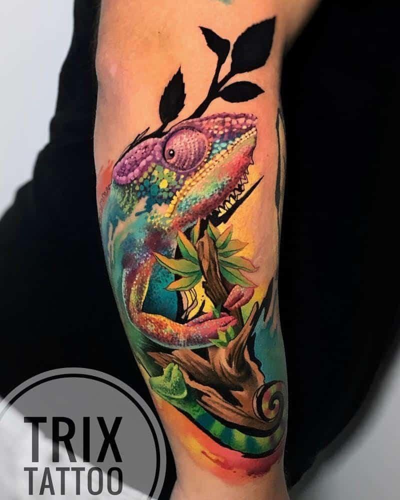 trix-tattoo-artist-new-school-chamaleon
