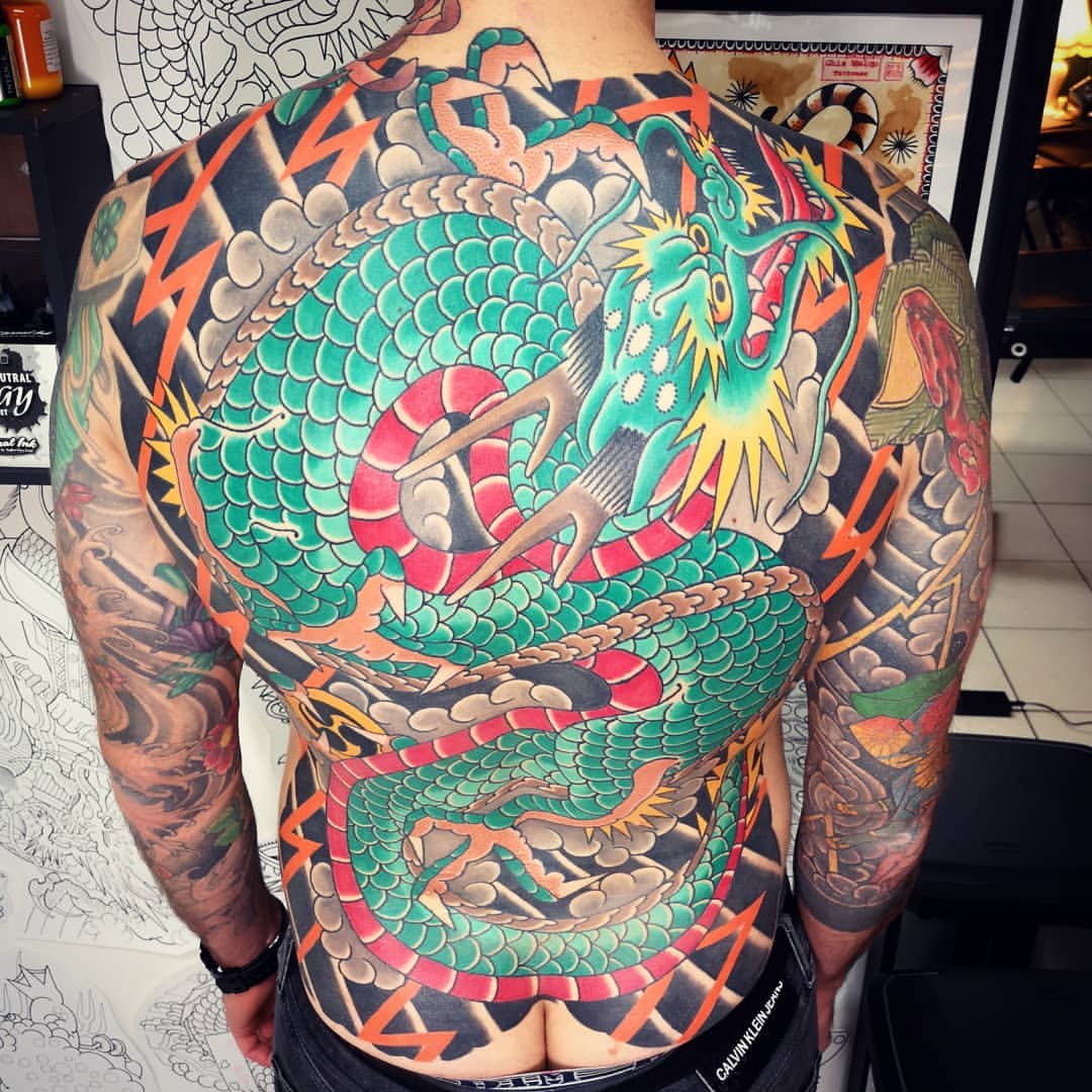 ghis-melou-color-dragon-back
