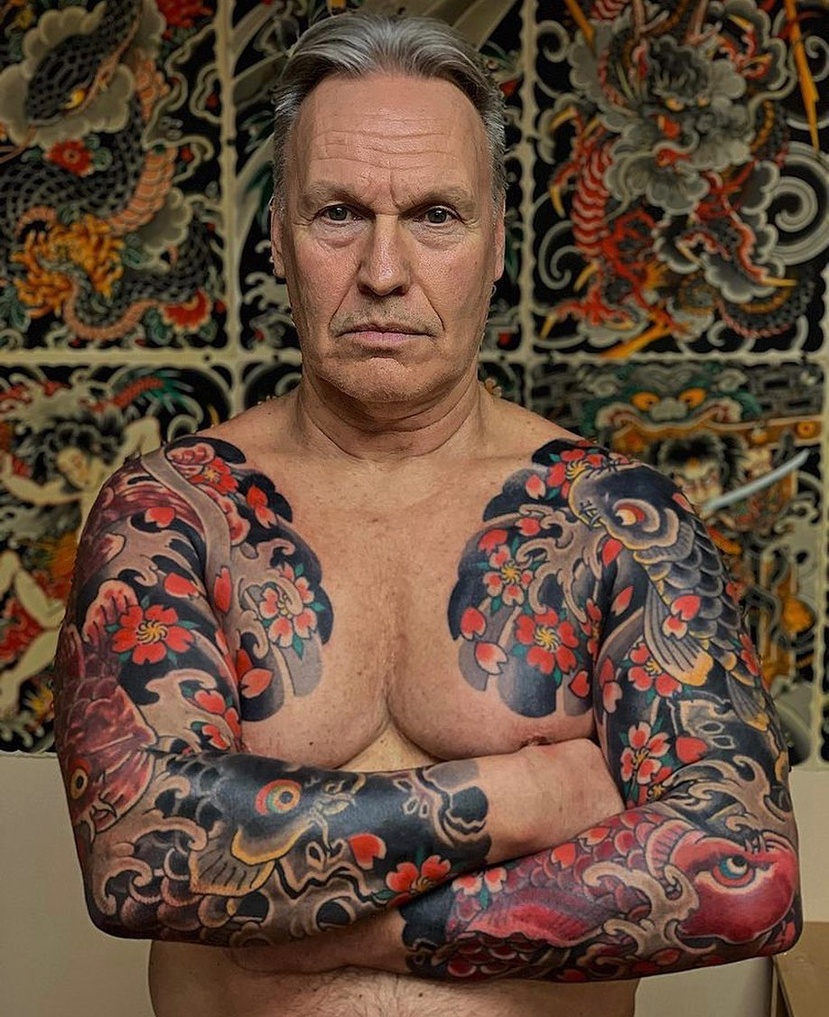 two-japanese-sleeves-flowers-red-mature-man