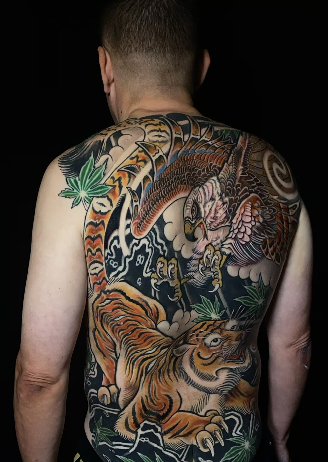 luis-cabezas-japanese-tiger-hawk-tattoo-back-from-the-left