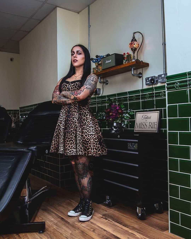 miss-rie-newport-tattoo-artist