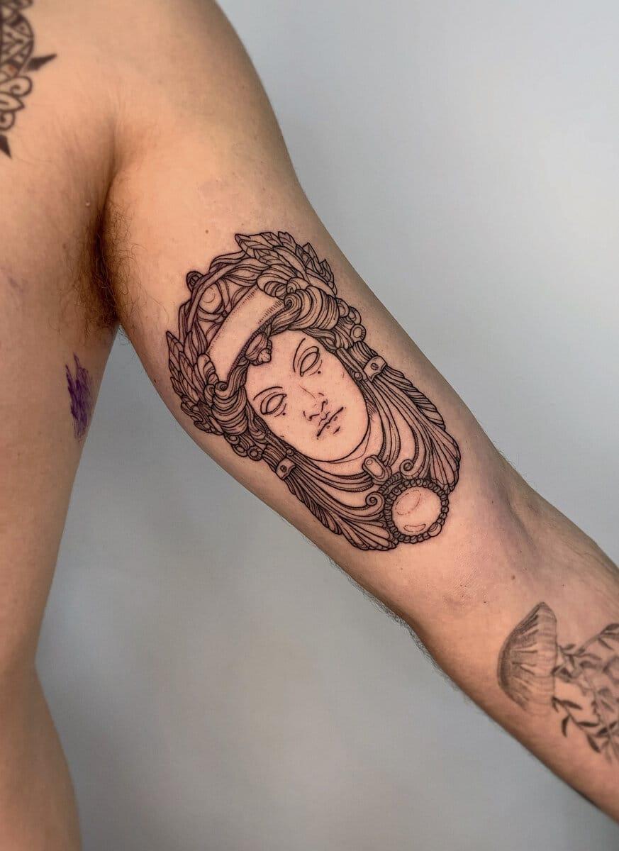 blanka-bartosova-tattoo-artist-greek-mask