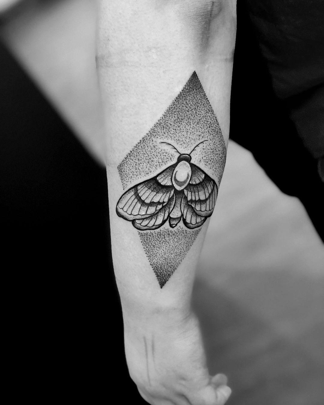 dotwork moth tattoo freddy