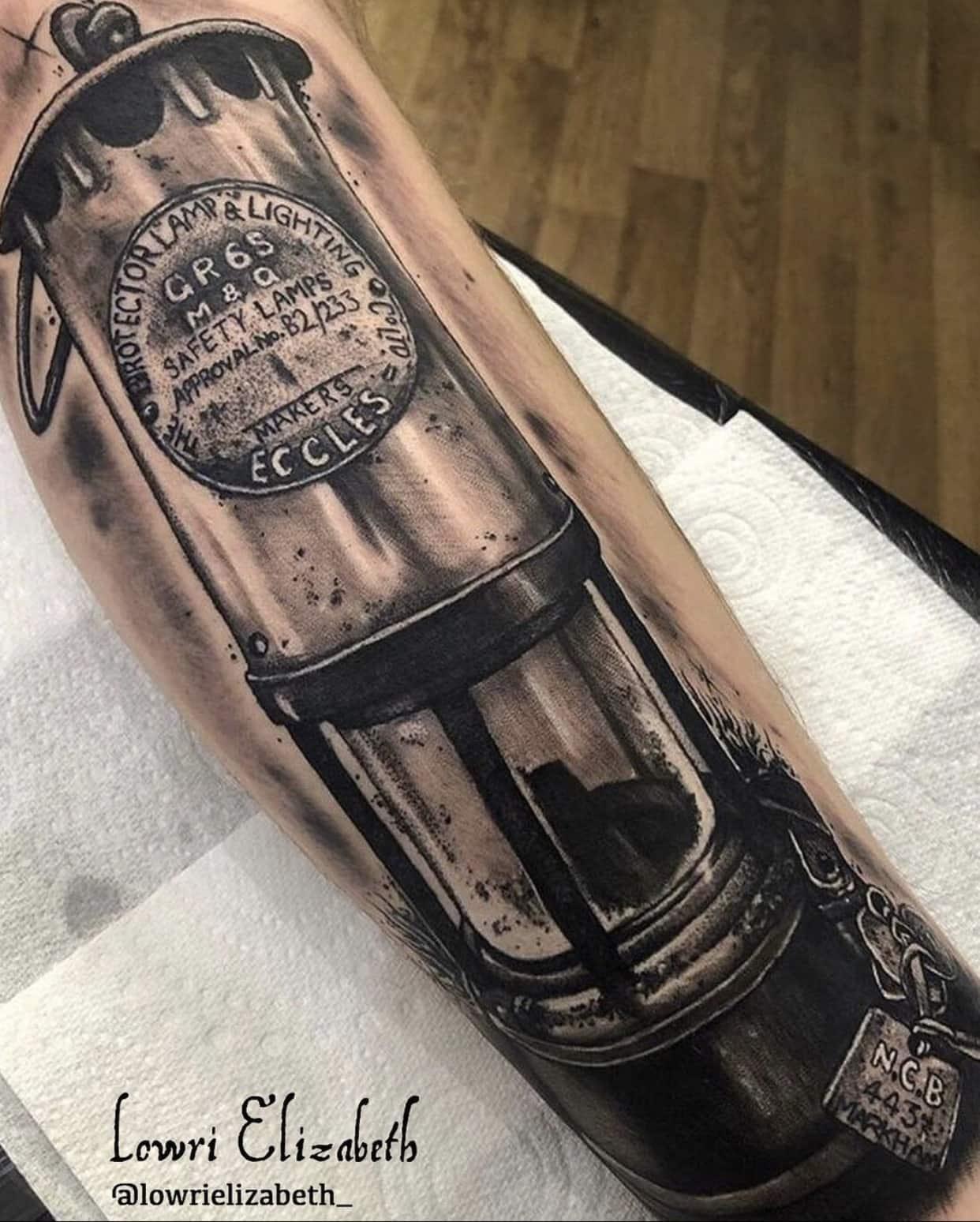 lowri-elizabeth-rogers-cardiff-tattoo-artist-lamp