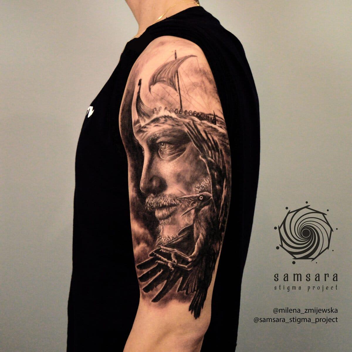 milena-zmijewska-tattoo-artist-ragnar-hyper-realistic