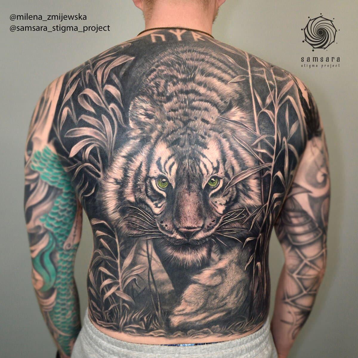 milena-zmijewska-tattoo-artist-tiger-all-back